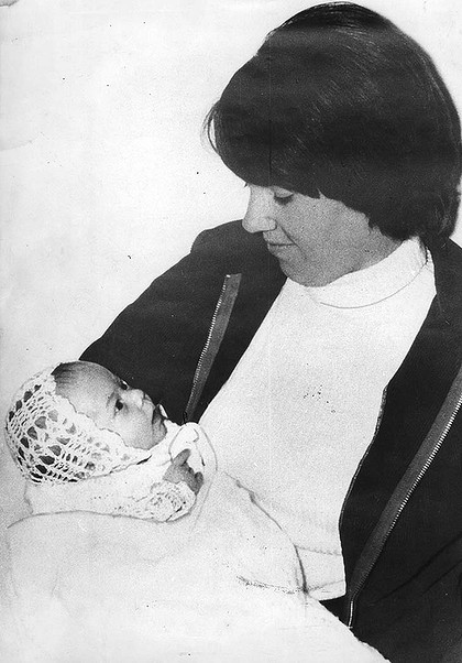 Dingo baby ruling ends 32 years of torment for Lindy Chamberlain