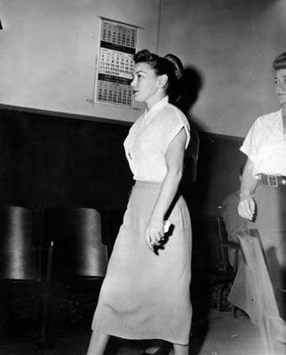 an excerpt of barbara graham s confessions It is subtitled barbara graham and the politics of executing women in america, and as such, it goes well beyond mrs graham's story roughly the first half of the book deals with her life, the murder of mable monahan, and mrs graham's trial, imprisonment, appeals, and execution in san quentin's gas chamber.