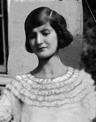 Another photograph of Winnie Ruth Judd  Her husband described her as    Winnie Ruth Judd Crime Scene