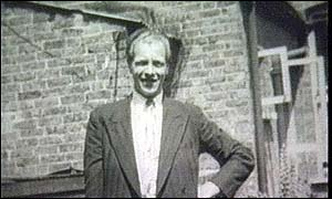 Derek Bentley | Photos | Murderpedia, the encyclopedia of murderers