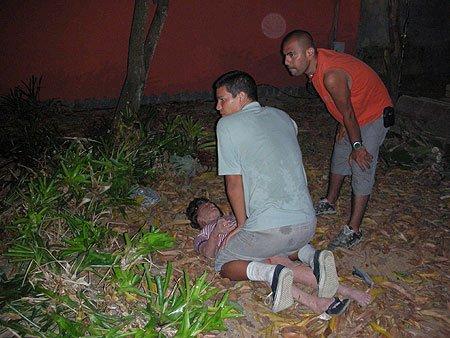 Парень изнаселовал сестру 6 фотография