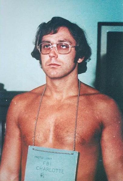 Jeffrey MacDonald | Photos | Murderpedia, the encyclopedia of ...