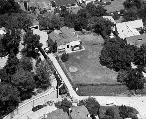 Aerial view of the home of Leno and Rosemary LaBianca in the Los Feliz ...